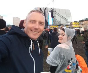 Rob Carol waiting for The Cure at Glasgow Summer Sessions in Bellahouston Park